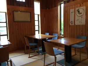 宮城県登米市東和町米谷にある三滝堂三たてそばの店内